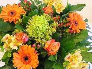Bukiet różnorodnych kwiatów